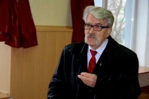 Левко Лукьяненко выступает перед студентами и преподавателями ДТ ДГМА
